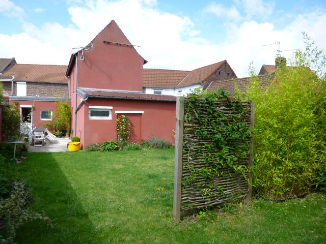 phalempin maison louer avec 2 chambres jardin et garage 76m maison location phalempin. Black Bedroom Furniture Sets. Home Design Ideas